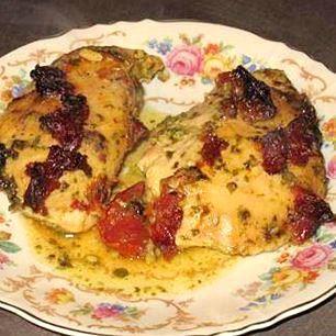 Poulet crémeux au pesto et aux tomates séchées au soleil