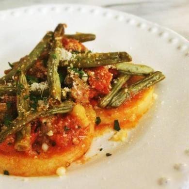 Casserole de saucisses à la polenta