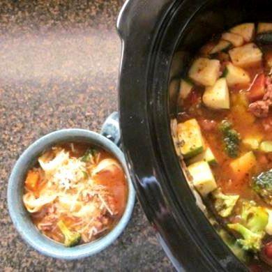 Soupe copieuse à la saucisse et aux tortellinis