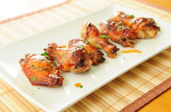 These honey garlic Paleo-friendly chicken wings will be a huge hit with the entire family.